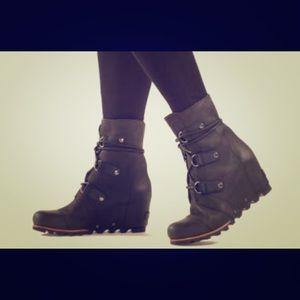 Joan of Arctic Sorell Boots